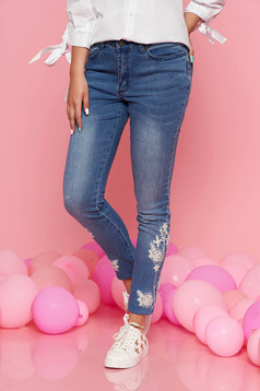 Top Secret blue casual skinny jeans trousers with medium waist slightly elastic cotton with embroidery details