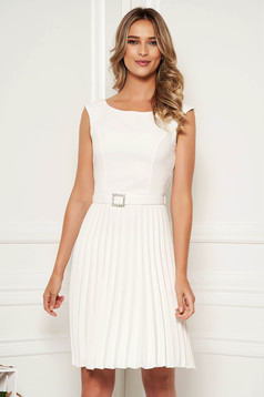 StarShinerS white elegant sleeveless folded up dress accessorized with tied waistband with embellished accessories