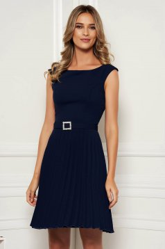 StarShinerS darkblue elegant sleeveless folded up dress accessorized with tied waistband with embellished accessories