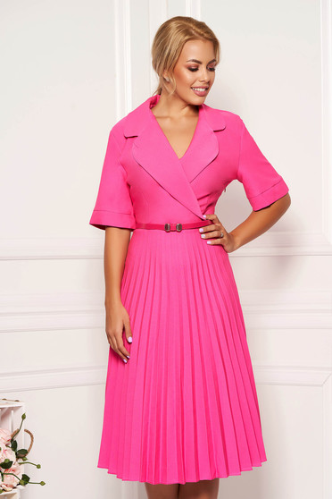 Fuchsia daily elegant cloche dress with v-neckline accessorized with belt airy fabric