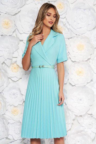 Mint daily elegant cloche dress with v-neckline accessorized with belt airy fabric