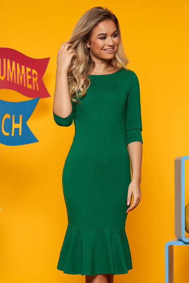 Top Secret green daily dress 3/4 sleeve with tented cut with ruffles at the buttom of the dress