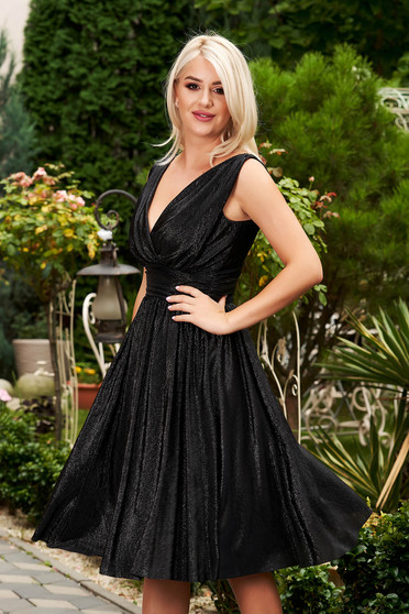 StarShinerS black dress with v-neckline flaring cut occasional sleeveless midi