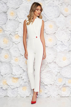 PrettyGirl white elegant jumpsuit with tented cut with v-neckline from elastic fabric