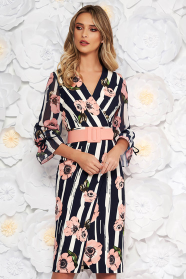 Fofy rosa elegant midi dress with a cleavage with tented cut accessorized with belt