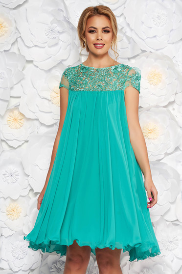 Artista mint occasional dress with easy cut with embroidery details from veil with inside lining