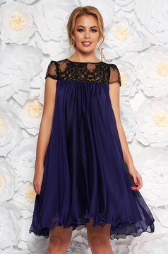 Purple occasional dress with easy cut with embroidery details from veil with inside lining