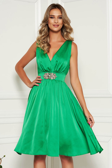 StarShinerS green dress elegant occasional midi from satin with inside lining with v-neckline