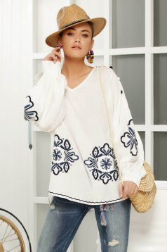 Women`s blouse white casual flared long sleeved airy fabric front embroidery