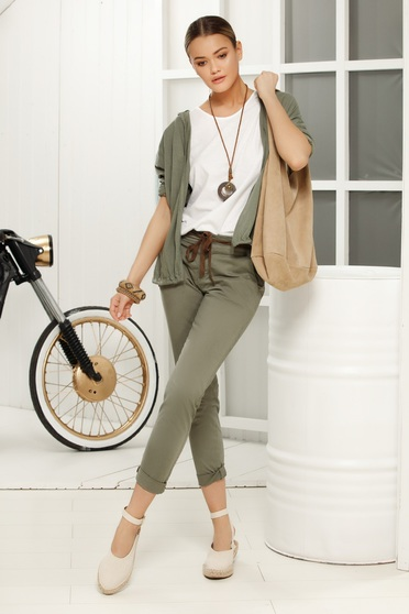 Khaki casual trousers with medium waist airy fabric with laced details