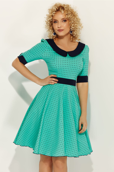 Fofy green elegant daily dress flaring cut with round collar accessorized with tied waistband