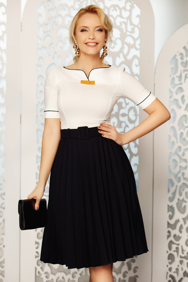 Fofy black elegant folded up cloche skirt high waisted accessorized with belt slightly elastic fabric