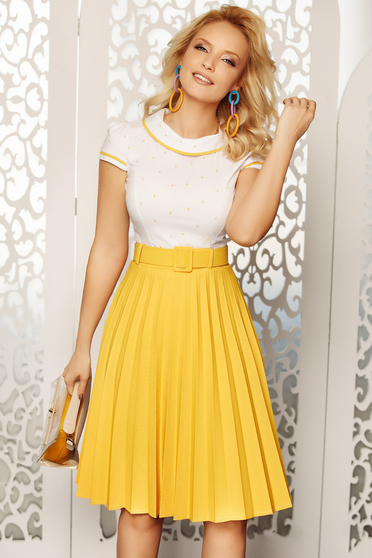 Fofy mustard elegant folded up cloche skirt high waisted accessorized with belt slightly elastic fabric