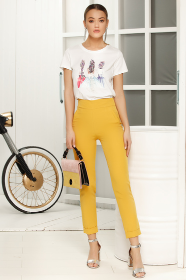 Yellow elegant with medium waist trousers with tented cut