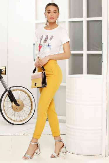 White casual flared t-shirt short sleeves thin fabric