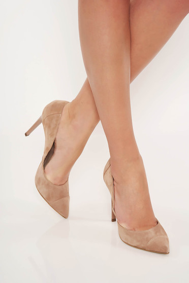 Cream elegant shoes from suede slightly pointed toe tip