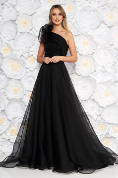 Ana Radu black luxurious dress with inside lining accessorized with tied waistband one shoulder