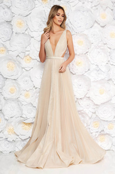 Ana Radu gold occasional long folded up cloche dress accessorized with tied waistband