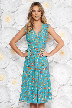 Green daily cloche dress with v-neckline soft fabric with floral prints