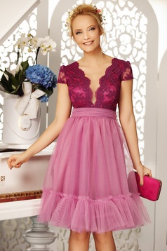 Fofy lila occasional cloche dress with deep cleavage short sleeves