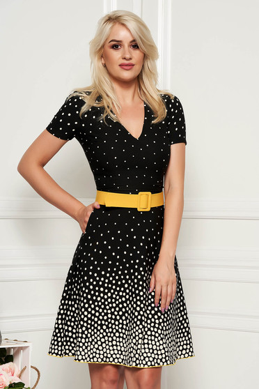 Fofy yellow elegant daily cloche dress with a cleavage short sleeves accessorized with belt