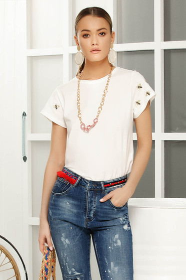 White casual embroidered flared t-shirt neckline