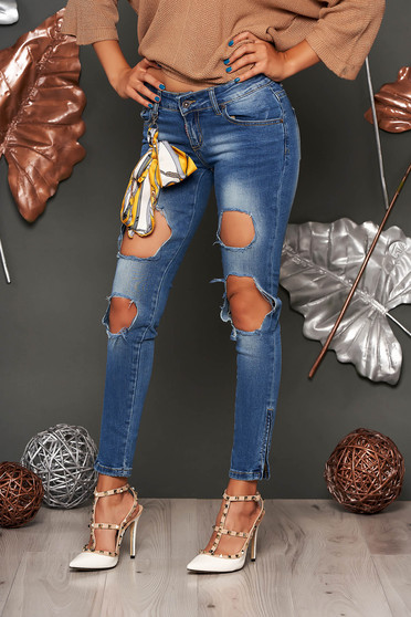 Blue casual skinny jeans with ruptures with medium waist cotton