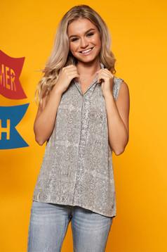 Top Secret peach casual women`s shirt sleeveless with a collar airy fabric