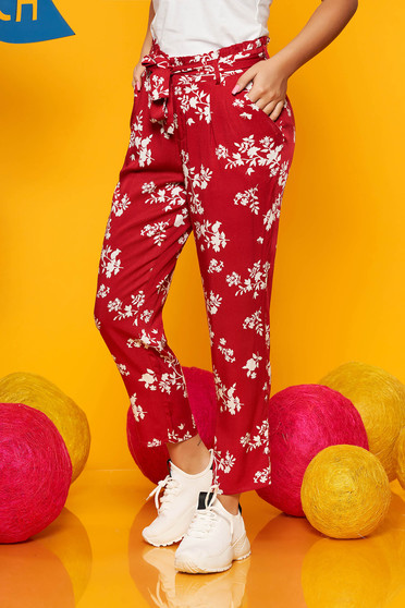 Top Secret red casual trousers with medium waist with pockets airy fabric with floral prints