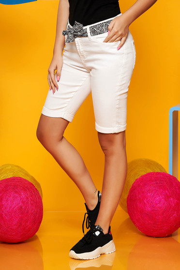 Top Secret white casual short with medium waist cotton knee-length accessorized with tied waistband