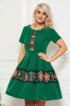 Green elegant daily cloche dress short sleeve with round collar embroidered