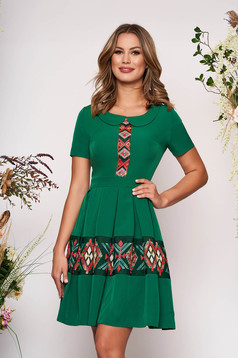 Green elegant daily cloche dress short sleeve with round collar embroidered short cut