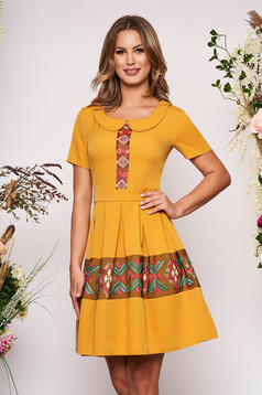 Mustard elegant daily cloche dress short sleeve with round collar embroidered short cut