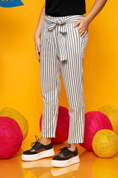 Top Secret white casual high waisted straight trousers accessorized with tied waistband cotton