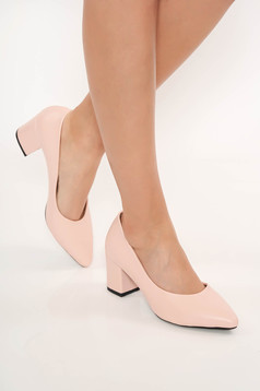 Lightpink shoes chunky heel slightly pointed toe tip