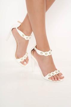 White sandals with high heels metallic details