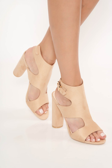 Cream sandals from ecological leather chunky heel