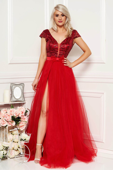 Red occasional long cloche dress bareback with push-up cups