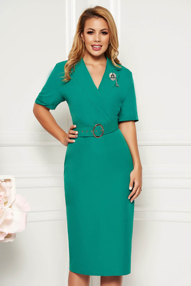 Green elegant dress arched cut with v-neckline slightly elastic fabric accessorized with belt