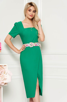 Green elegant daily midi dress arched cut slightly elastic fabric accessorized with belt
