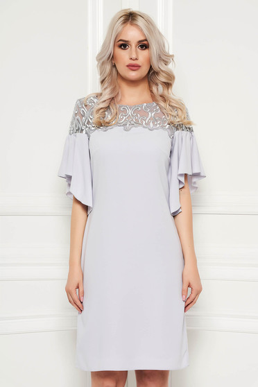 Grey dress with lace details elegant with ruffled sleeves short cut straight
