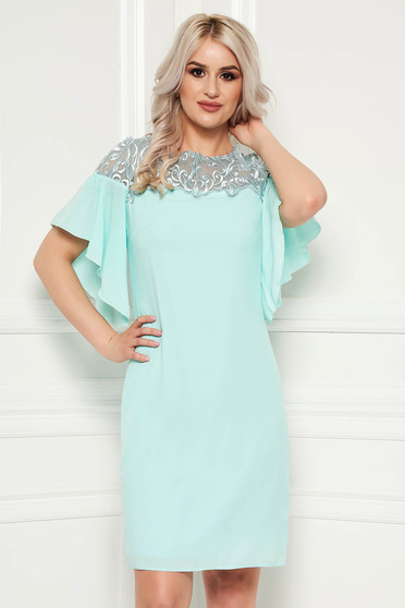Turquoise dress with lace details elegant with ruffled sleeves