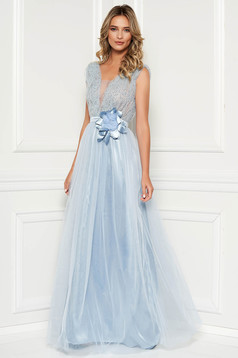 Lightblue dress occasional with crystal embellished details with deep cleavage