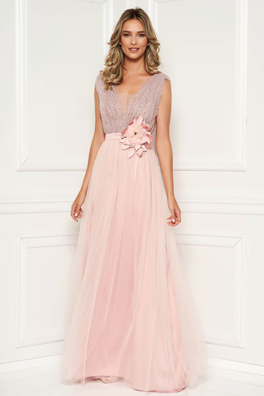 Lightpink dress occasional with crystal embellished details with deep cleavage