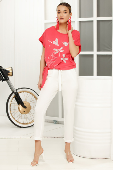 Coral casual with easy cut t-shirt short sleeves airy fabric