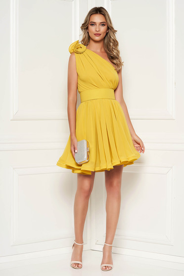 Ana Radu luxurious mustard dress from veil fabric with inside lining cloche accessorized with tied waistband
