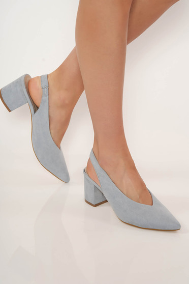 Blue shoes chunky heel slightly pointed toe tip