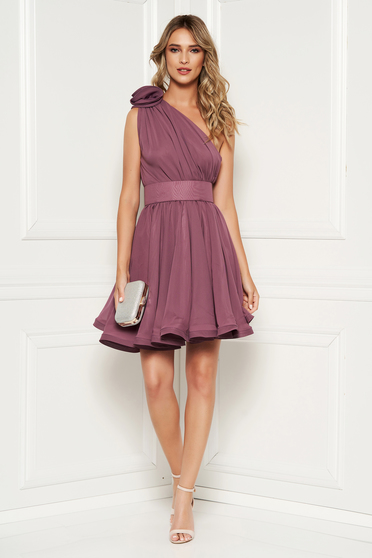 Ana Radu luxurious purple dress from veil fabric with inside lining cloche accessorized with tied waistband