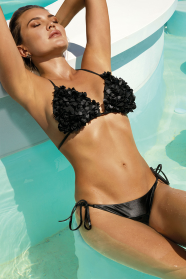 Black swimsuit adjustable bikinis with raised flowers from two pieces triangle bra