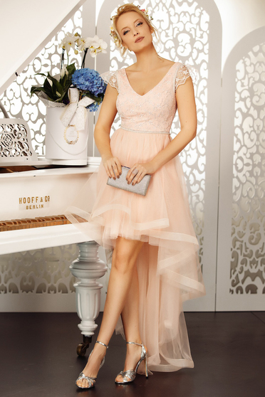 Lightpink occasional cloche dress with a cleavage from tulle